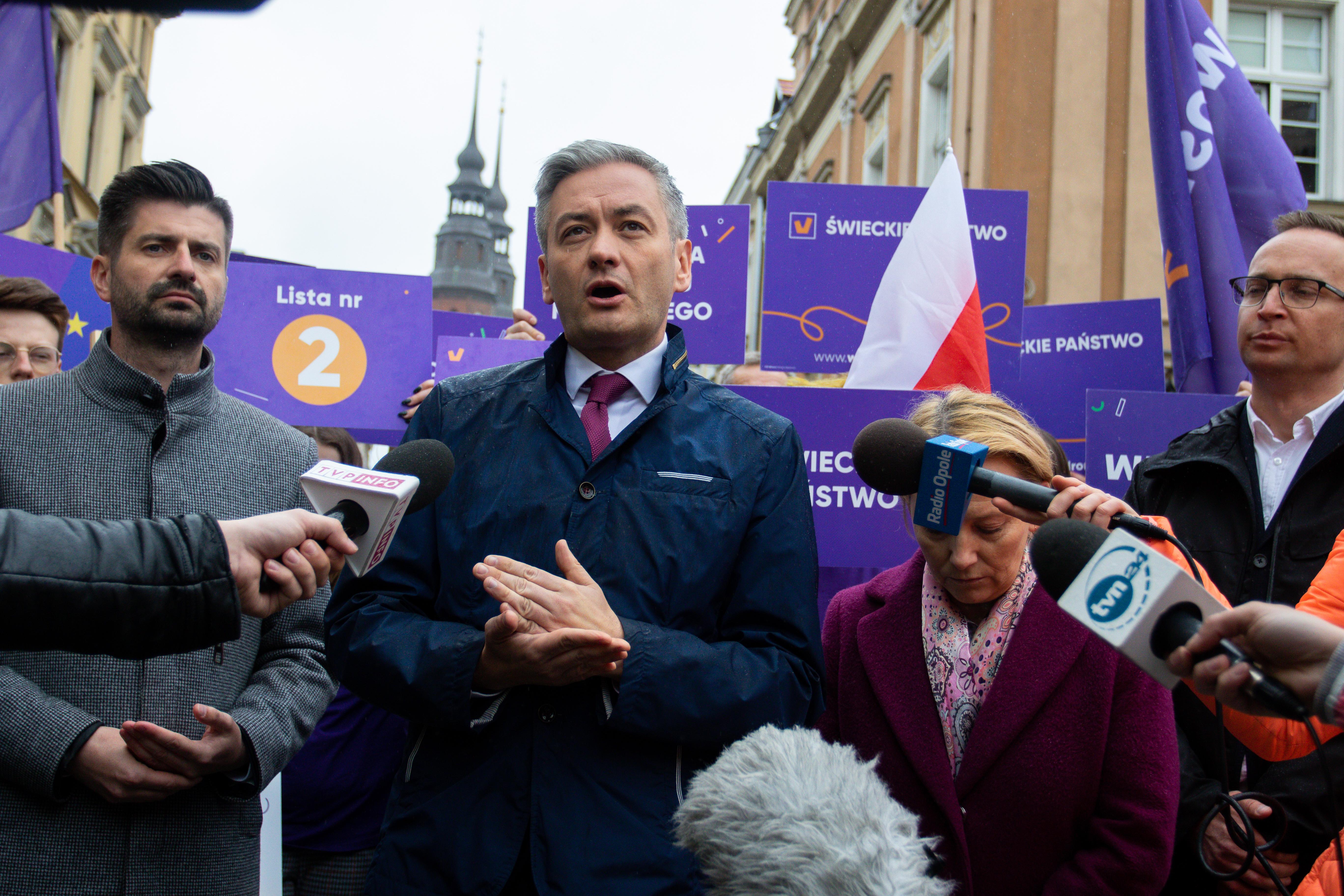 Lider partii Wiosna Robert Biedroń