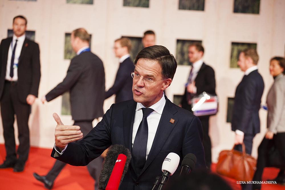 Mark Rutte, premier Holandii odpowiada na pytania dziennikarzy / Lidia Mukhamadeeva